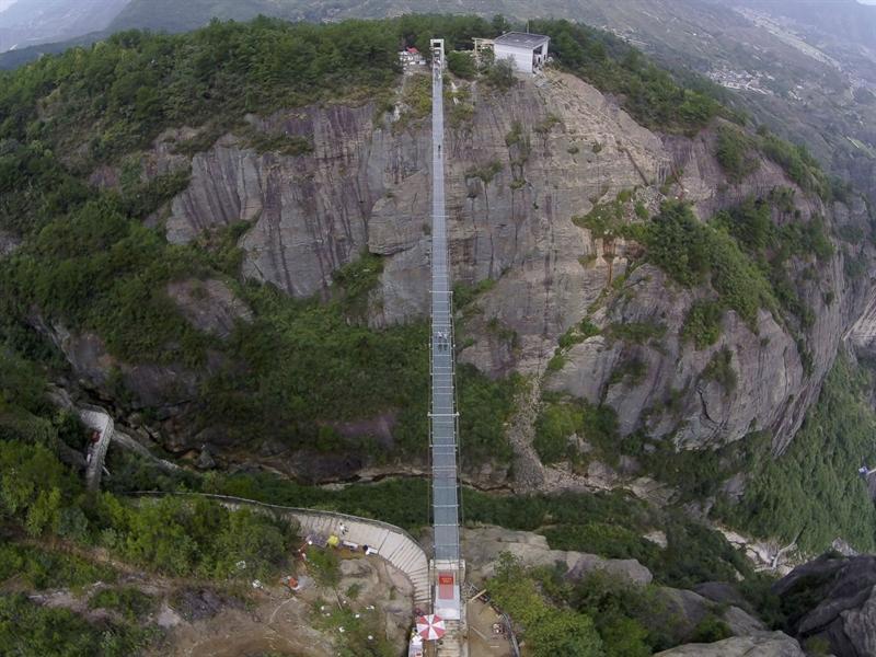 أكثر الجسور المرعبة في العالم.. والصين تفتتح أحدثها