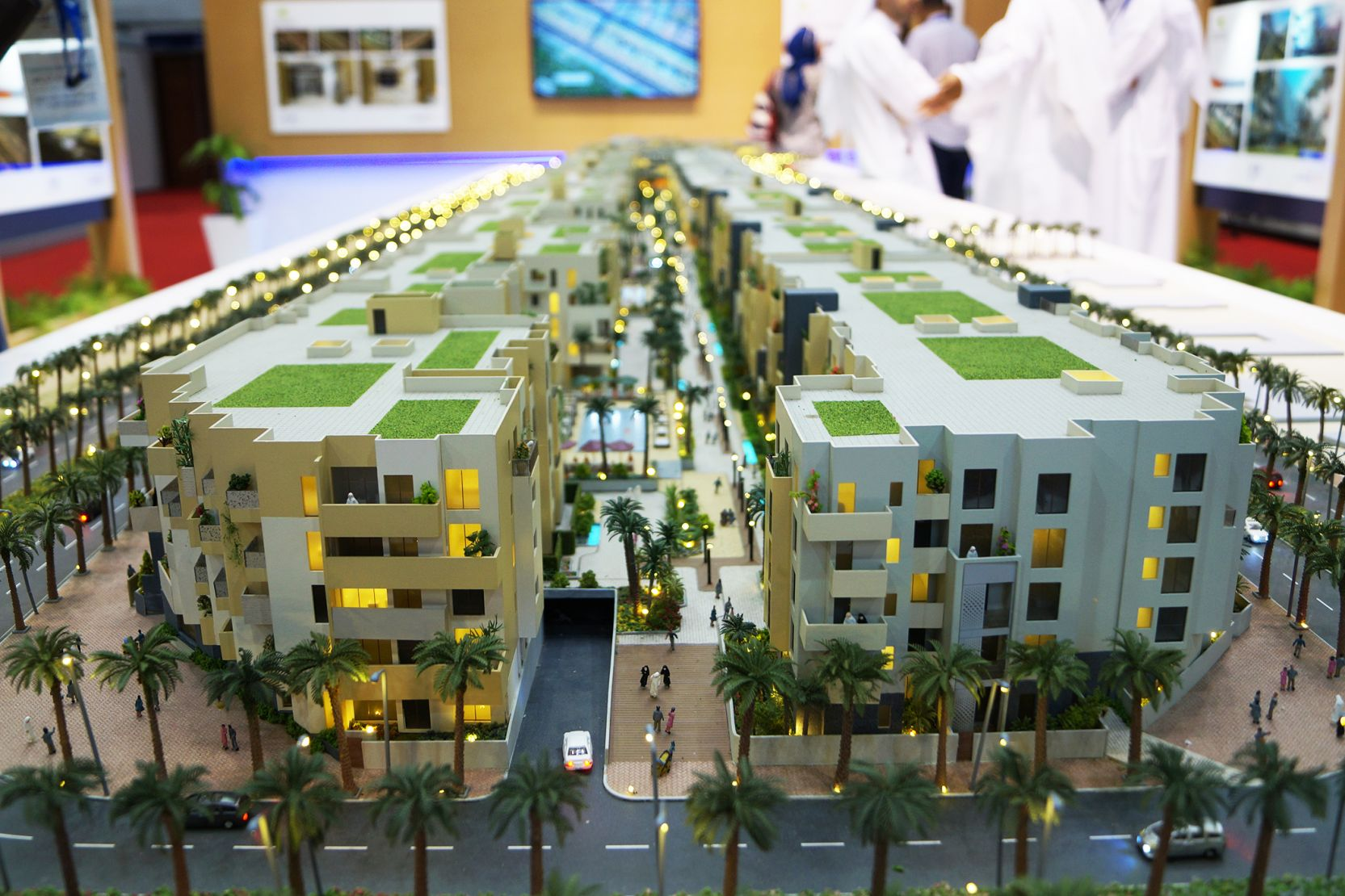 Dubai Investments signs AED 1 bln project financing deal