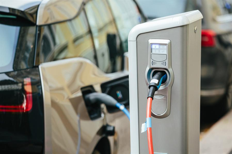 Ev Charging Stations >> Schneider To Install 5 Ev Charging Stations In Saudi Arabia In 2019
