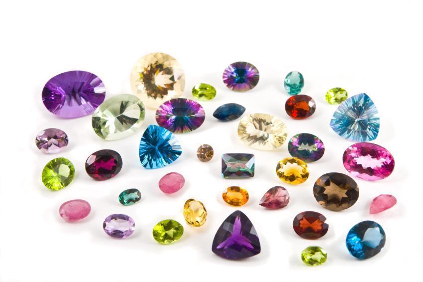 ما هي الأحجار الكريمة النادرة وكم تبلغ أسعارها
